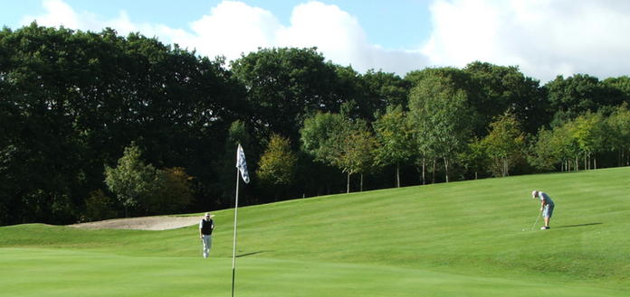 Beeches 14th - 377 Yard - Par 4